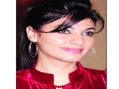 چادر دیکھ کر پاﺅں نہ پھیلانے والے ترقی نہیں کرتے: فریحہ پرویز