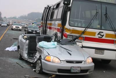 ٹریفک حادثات میں لڑکی سمیت تین افراد جاں بحق' 27 شدید زخمی