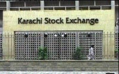 سرمایہ کاروں کی عدم دلچسپی : ایک ہفتے کے دوران کراچی سٹاک مارکیٹ اتار چڑھاﺅ کا شکار رہی