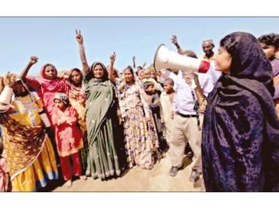 حیدر آباد: محنت کش خاتون ویرو کولہی شرجیل سے مقابلے کیلئے میدان میں آگئی