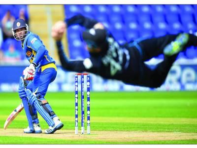 چیمپئنز ٹرافی : نیوزی لینڈ نے سنسنی خیز مقابلے کے بعد سری لنکا کو ہرا دیا
