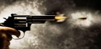 معمولی جھگڑے پر 2 افراد کو گولیاں مار دی گئیں