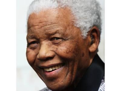 منڈیلا کے تمام اعضاءکی موت تک سانس لینے والی مشین نہ ہٹانے کا فیصلہ