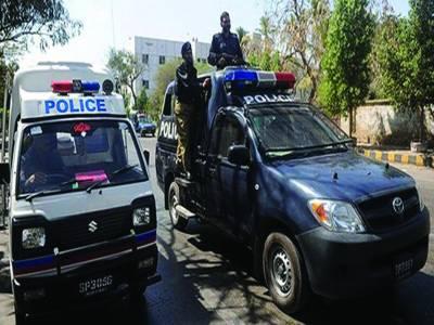 نوٹیفکیشن جاری ہونے کے 2 روز بعد بھی 15 پولیس افسران نے چارج نہیں چھوڑا
