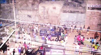 کراچی میں فائرنگ' ڈاکٹر سمیت 7 افراد قتل' دکان میں دھماکہ'بچہ جاں بحق
