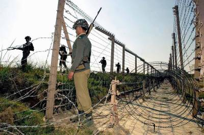 ورکنگ باﺅنڈری پر بھارتی فائرنگ جاری سرحدی دیہات جوئیاں کے مکینوں کا مظاہرہ