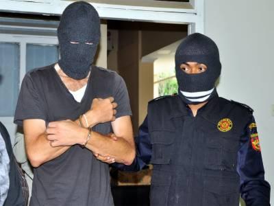 جبرو ڈکیت گینگ کا سرغنہ5 ساتھیوں سمیت گرفتار، لاکھوں کا سامان اور اسلحہ برآمد