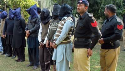 ڈکیتی کی وارداتوں میں ملوث 3 گروہوں کے 7 ملزم گرفتار