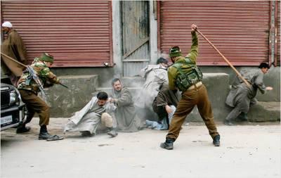 مقبوضہ کشمیر: بھارت مخالف مظاہرے' پولیس کا وحشیانہ تشدد' متعدد زخمی' 30 گرفتار
