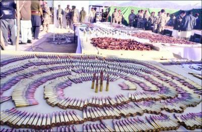 بلوچستان: جھڑپ، 2 شدت پسند جاں بحق، اسلحہ برآمد، 2 ملزم گرفتار، 10 مزدور بازیاب