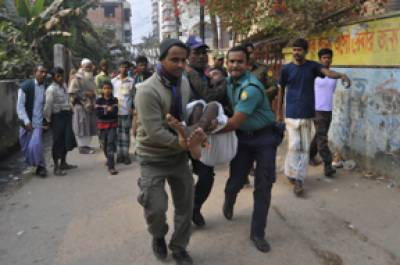 20 جماعتوں کے بائیکاٹ کے باوجود بنگلہ دیش کے ڈھونگ انتخابات' پولیس سے تصادم میں 18 جاں بحق' مزید 100 پولنگ سٹیشن نذرآتش' 157 پر ووٹنگ معطل