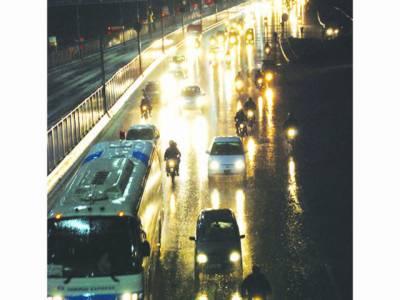 لاہور سمیت پنجاب بھر میں تیز بارش، ژالہ باری، 3جاں بحق، 12زخمی
