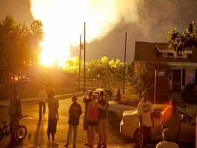 امریکی ریاست اوہائیو کے ایک گاؤں میں آگ نے کئی عمارتوں کو لپیٹ میں لے لیا