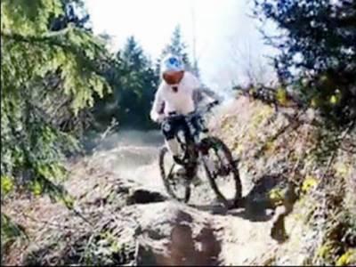 اناڑی کھلاڑی کی سائیکل سواری ، ہڈیاں تڑوا بیٹھا