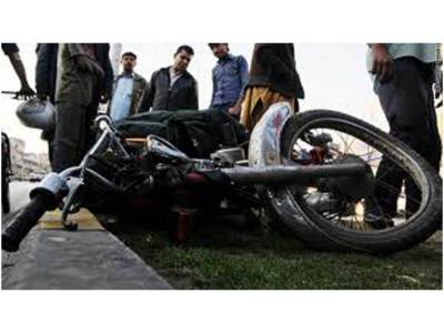 بے قابو موٹر سائیکل کھمبے سے ٹکرا گئی، نوجوان ہلاک