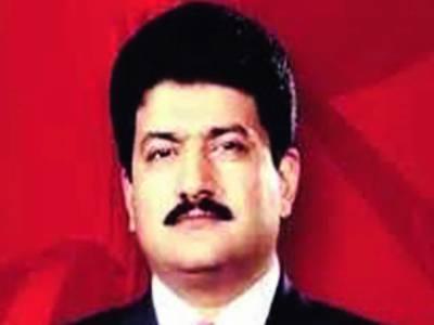 حامد میر نے عدالت میں بیان قلمبند کرا دیا، وہیل چیئر پر گاڑی تک لایا گیا