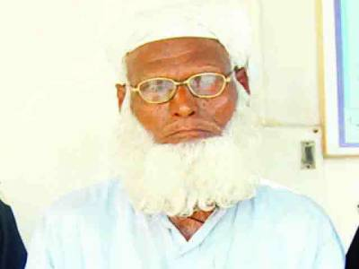 پاہڑیانوالی:80 سالہ بابا دوسری جماعت کی طالبہ کو اغوا کرتے پکڑا گیا