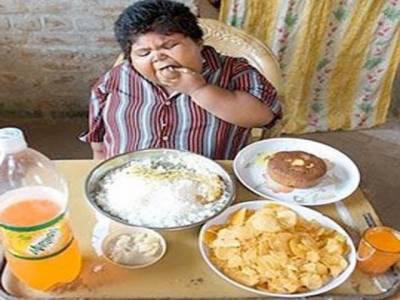 رات کو کھانے کی عادت ایک بیماری ہے: سائنسدان