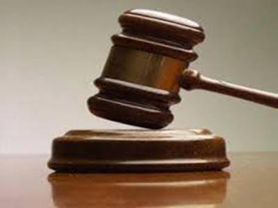 شوہر کی قید سے بھاگ کر خاتون خلع کے لئے عدالت پہنچ گئی