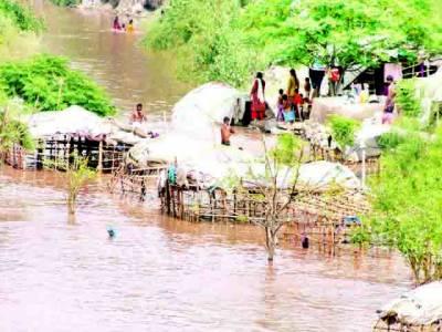 سیلاب کی تباہ کاریاں جاری ' سینکڑوں بستیاں بہہ گئیں، مزید ہزاروں بے گھر