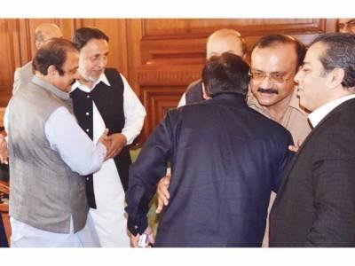 پنجاب اسمبلی: پی ٹی آئی ارکان کے استعفوں کی تصدیق نہ ہو سکی