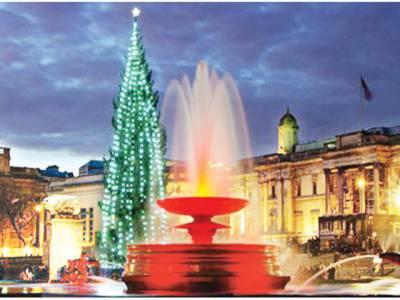 لندن:ٹرافلگر سکوائر پر 70فٹ اونچا کرسمس ٹری روشن کردیا گیا
