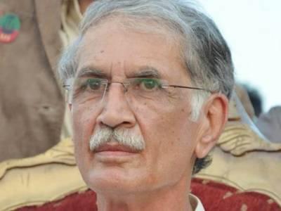 نثار نے کہا لگتا نہیں نواز شریف حکومت کرنے آئے ہیں، دھرنا جاری رکھیں: پرویز خٹک