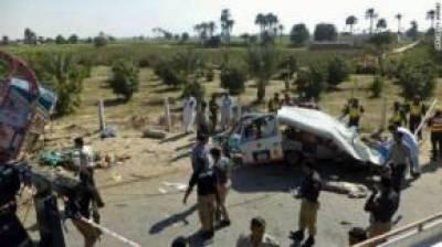 گاڑیوں کی زد میں آ کر دو افراد ہلاک' دیگر حادثات میں چھ زخمی