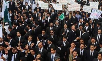 فوجی عدالتوں کیخلاف وکلاءکا ملک گیر یوم سیاہ' ریلیاں' مذمتی قراردادیں منظور