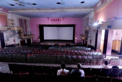 پاکستان فلم انڈسٹری 2 دہائیوں سے روبہ زوال، رواں سال 5 فلمیں ریلیز 4 فلاپ ہوئیں