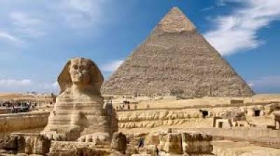 قاہرہ:سعودی سیاح اور اسکی فیملی سے ناروا سلوک'وزیرسیاحت نے ہوٹل سیل کردیا
