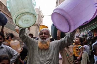 کراچی میں پانی کے بحران پر ایم کیو ایم کا پرنس روڈ پر مظاہرہ