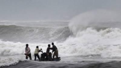 سمندری طوفان کراچی اور دیگر ساحلی علاقوں سے 24 گھنٹوں میں ٹکرانے کا خدشہ