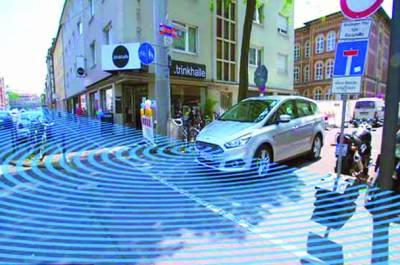 موڑ کے آر پار آنیوالی ٹریفک کو دیکھنے کیلئے گاڑیوں میں نئی ٹیکنالوجی متعارف
