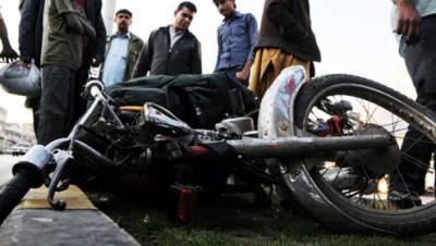 سندر' ٹرک کی ٹکر سے موٹرسائیکل سوار 3 دوست جاں بحق