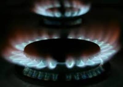 حکومت نے یکم اگست سے گیس کی قیمتیں بڑھانے کا اصولی فیصلہ کر لیا