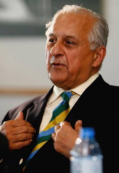 بھارت سے متحدہ عرب امارات میں کھیلنے کو تیار ہیں : شہریار خان