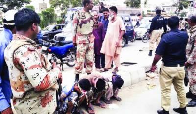 کراچی: رینجرز، پولیس کا آپریشن، القاعدہ کمانڈر، ساتھی ہلاک، خفیہ ادارے کا افسر شہید