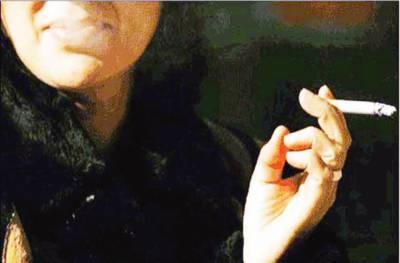 پاکستانی خواتین میں سگریٹ نوشی کا رجحان بڑھنے لگا