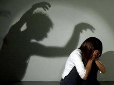 قصور، پاکپتن، گجرات، اوکاڑہ، بہاولپور: 2 لڑکیوں سمیت 4خواتین، 2 لڑکوں سے زیادتی