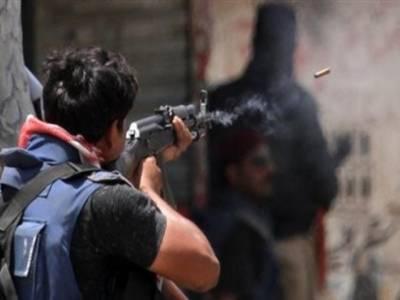 کراچی: مبینہ پولیس مقابلے میں مارا جانے والا نوجوان ملائیشیا میں زیر تعلیم تھا، ورثا کا مظاہرہ