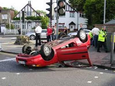ٹریفک حادثات میں2 دوستوں سمیت3 افراد جاں بحق،2 شدید زخمی