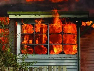 گھر میں آتشزدگی ، لاکھوں کا سامان خاکستر