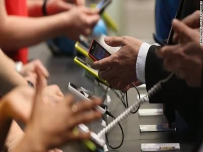کراچی: دبئی سے آنے والے مسافر سے 15لاکھ مالیت کے 105 موبائل فون برآمد، ملزم گرفتار