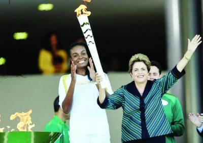 اولمپک مشعل برازیل پہنچ گئی، ریلی کا آغاز'300قصبوں سے گزرے گی