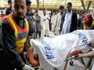 اٹھارہ ہزاری: بس اور ٹرک میں خوفناک تصادم' 15 افراد جاں بحق' 10 زخمی