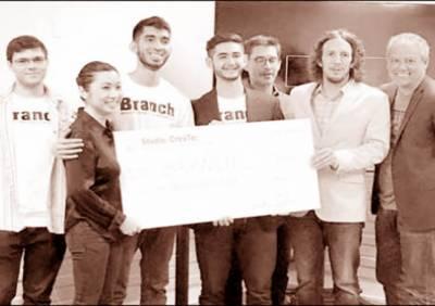 پاکستان نژاد 2 طلباء نے ٹیکساس یونیورسٹی میں بہترین کاروباری منصوبہ سازی مقابلہ جیت لیا