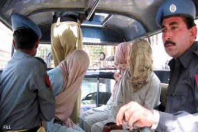 غیرت کے نام پر بہن کوزندہ جلانے والا ملزم 5 روزہ جسمانی ریمانڈ پر پولیس کے حوالے