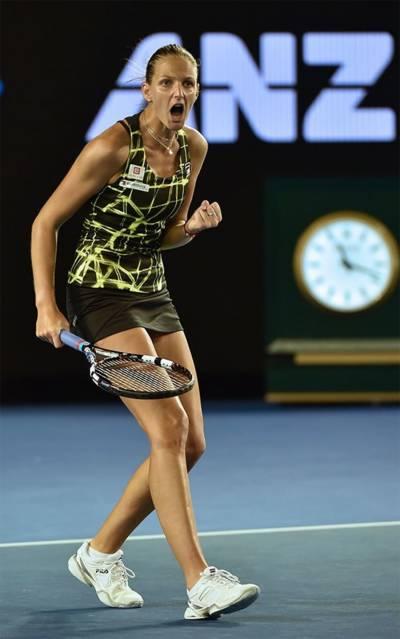 ڈومنیکا کیبلکوو انے ایسٹ بورن ایگن انٹر نیشنل ٹینس ٹورنا منٹ جیت لیا
