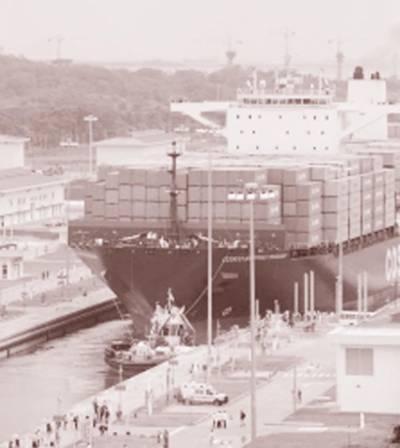 پاناما نہر کے توسیعی منصوبے کا باضابطہ افتتاح : چینی جہاز گزرا